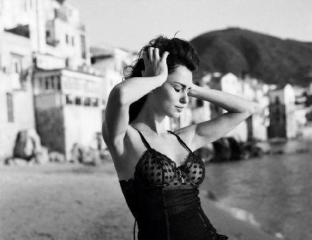 Sicilia, sensualità in bianco e nero - Italia chiama Italia