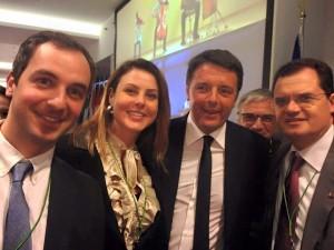 Il premier Renzi insieme ai deputati Borghese (MAIE), Bueno (USEI) e Porta (Pd)