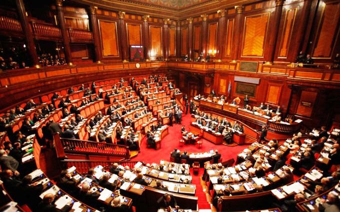 Referendum voto no perch spariscono i senatori degli for Email senatori italiani