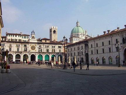 Risultati immagini per piazza della loggia brescia rai