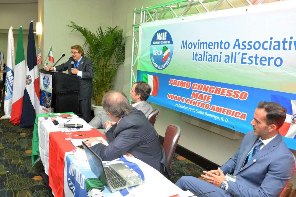 Salvatore Ferrigno durante il suo intervento al primo Congresso MAIE Nord e Centro America