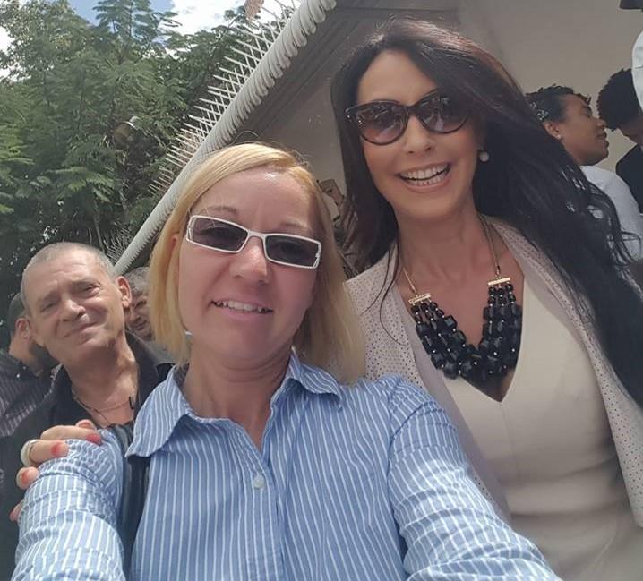 SELFIE Francesca Alderisi con i coordinatori MAIE - Movimento Associativo Italiani all'Estero Brigitte Nanni e Daniele Bertozzi