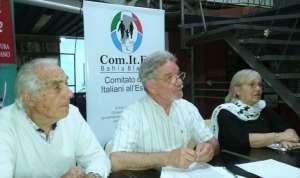 Al centro, nella foto, Juan Carlos Paglialunga