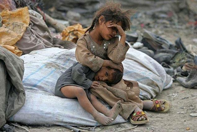 Risultati immagini per francesca caferri foto nello yemen?