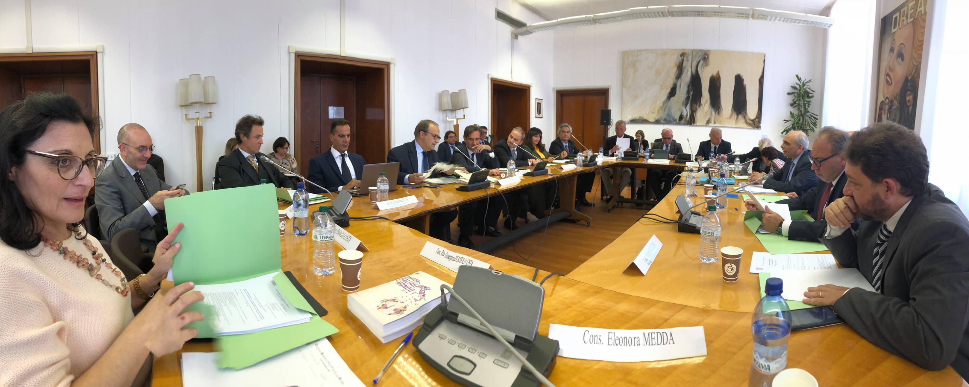 Italiani all estero dal 4 al 6 marzo il comitato di for Parlamentari italiani numero
